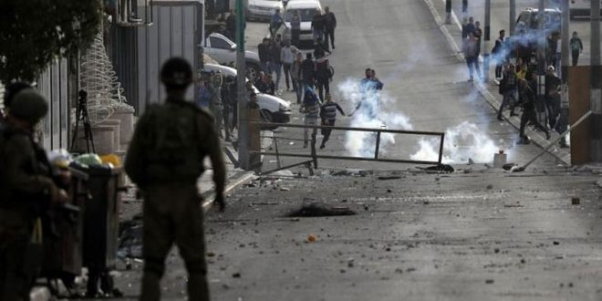 جراحت ده ها فلسطینی بر اثر حملات نیروهای اشغالگر در الخلیل