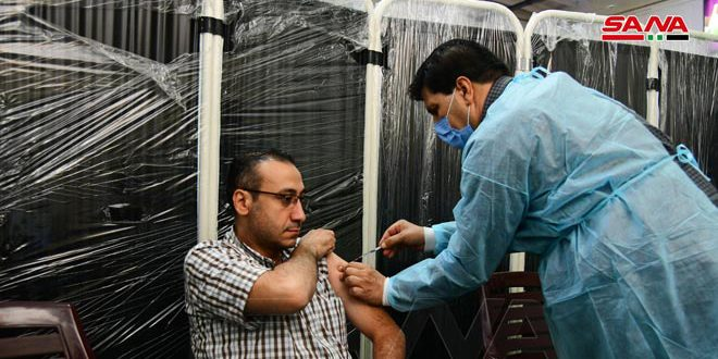 وزارت بهداشت: بیش از 360 هزار نفر واکسن کرونا را دریافت کردهاند