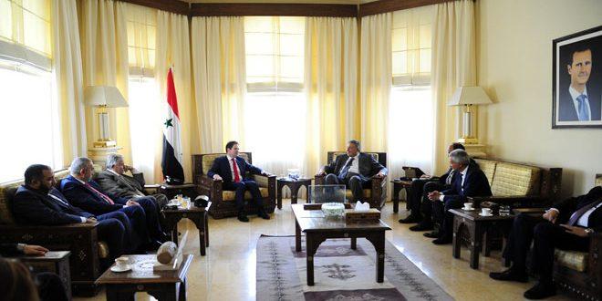 Yazaji examine avec la d l gation de l union des chambres for Chambre de commerce francaise en egypte