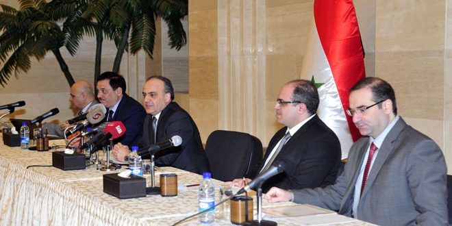 Khamis: Nécessité de développer la coopération économique avec les pays qui se tiennent aux côtés de la Syrie contre le terrorisme