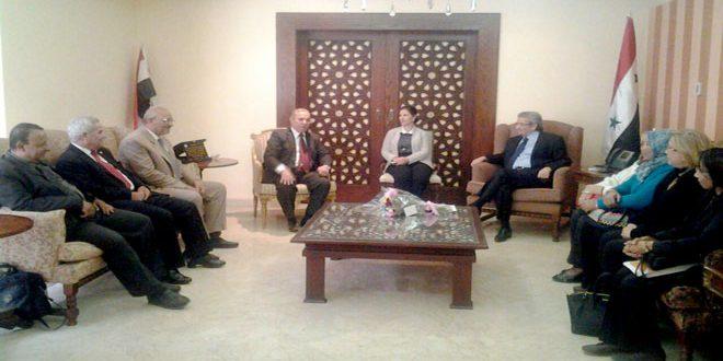 Une délégation égyptienne visite le siège du Consulat syrien au Caire pour exprimer sa solidarité avec la Syrie