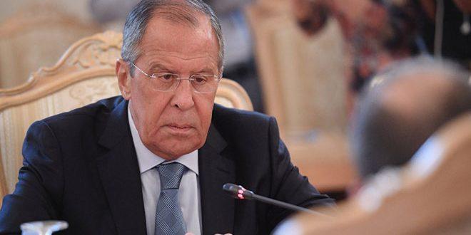 Lavrov : Certains pays en ne s'engageant pas aux résolutions internationales entravent le règlement de la crise en Syrie
