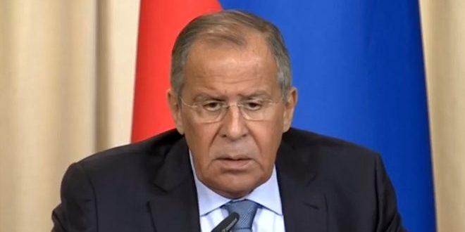 Lavrovsouligne des tentatives pour entraver la reconstruction en Syrie et le retour des syriens déplacés