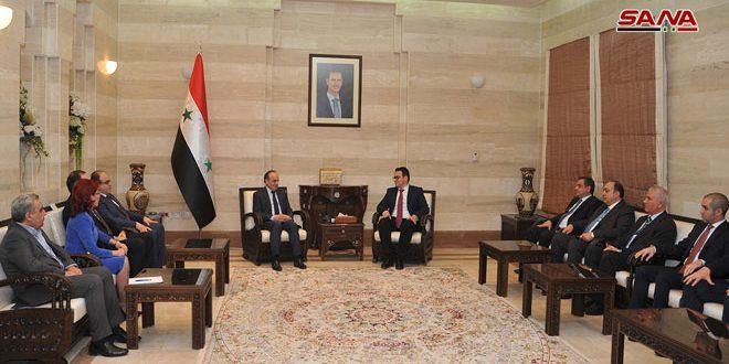 Khamis : La Syrie continuera à assurer le climat approprié à l'attraction des investissements locaux et étrangers