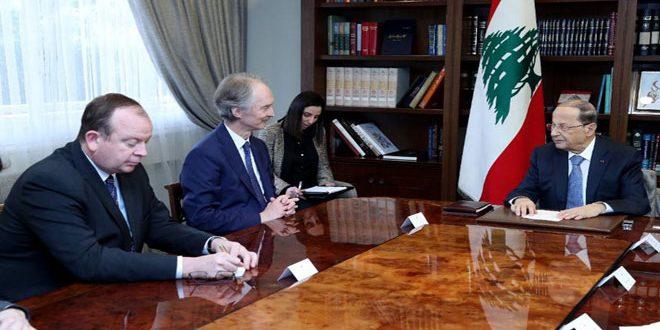 Aoun affirme à Pedersen la nécessité d'œuvrer sérieusement pour le retour des déplacés syriens à leur patrie