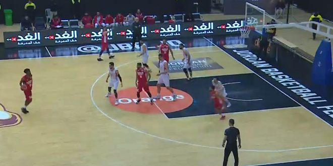 La sélection syrienne de basketball (sénior) bat son adversaire bahreïni au championnat international de la Jordanie