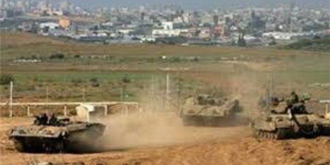 Les forces d'occupation israélienne attaquent à l'artillerie la ville de Deir al-Balah dans le centre de la Bande de Gaza
