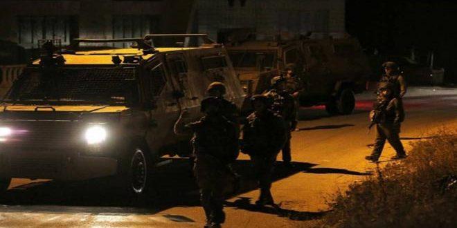 Les forces d'occupation arrêtent cinq Palestiniens en Cisjordanie