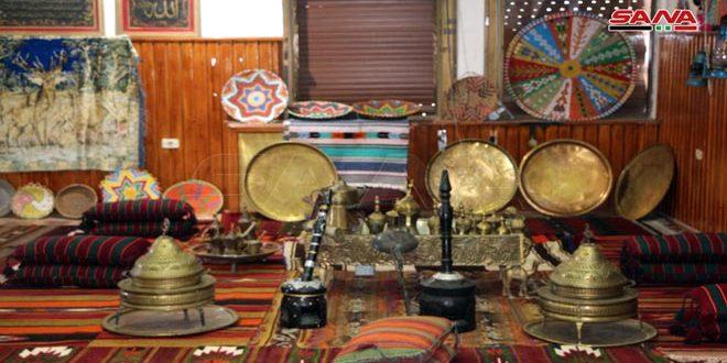 Un amateur collectionne environ 3000 objets patrimoniaux chez lui