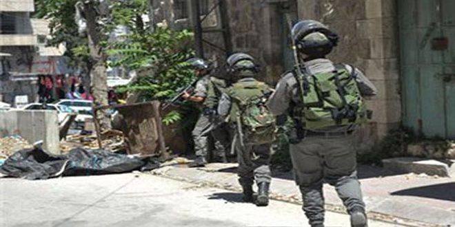 שני פלסטינים נפצעו במהלך פריצות שכוחות הכיבוש ביצעו לכמה ערים בגדה