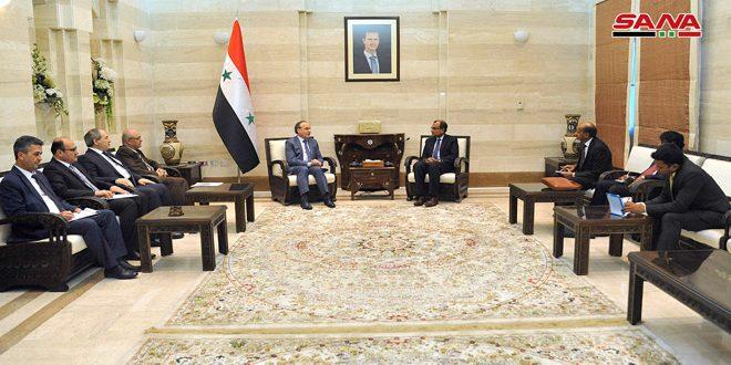 המהנדס ח'מיס לסגן שר החוץ ההודי .. אנו שואופים לחיזוק יחסי הסחר ההשקעה והמדע עם הודו