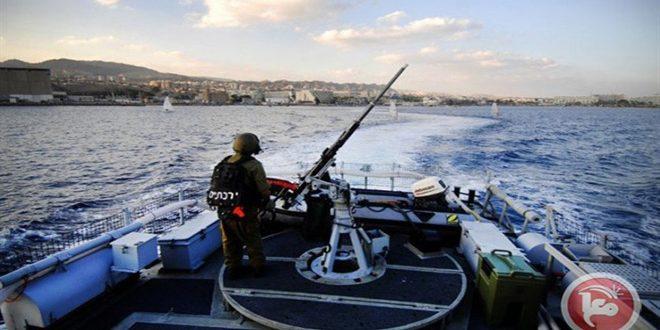 ספינות הכיבוש מחדשות את תקיפת הדייגים הפלסטינים בים עזה