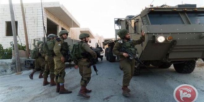 הכוחות הישראליים עצרו 3 פלסטינים מערבית לרמאללה