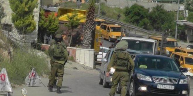 כוחות הכיבוש פורצים לכפר ברדלה בעמקים ומנתקים מיים על הפלסטינים