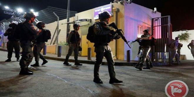 הכוחות הישראליים עצרו 7 פלסטינים בגדה המערבית