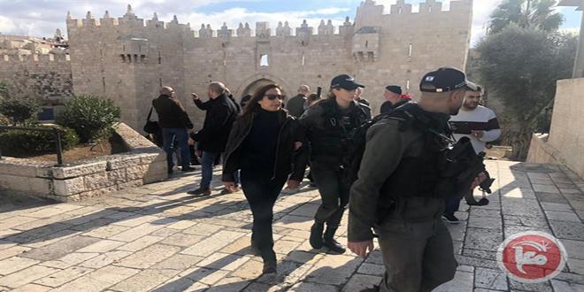 כוחות הכיבוש עצרו את הצוות התקשורתי של טלוויזיה פלסטין