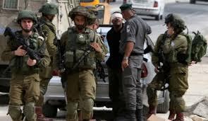 הכוחות הישראליים עצרו 5 פלסטינים בגדה המערבית