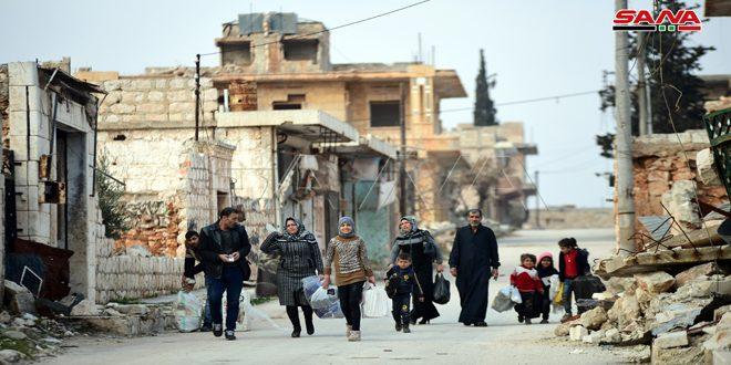 מצלמה של סאנא בעיירה חריתאן בפרבר חלב הצפוני מתעדת את שיבתן של כמה משפחות לעיירה בעקבות הבסת הטרור ממנה