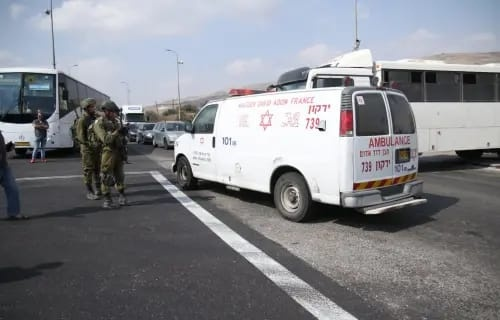 שני צעירים פלסטינים נפצעו מירי הכוחות הישראליים מזרחית לרמאללה