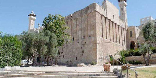 """הואקף הפלסטיני קורא לקהילה הבינ""""ל לעצור את תוכניות הכיבוש ליהוד המסגד האיבראהימי"""