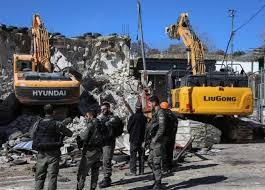 הכוחות הישראליים פשטו על הר הצופים בעיר אלקודס והרסו מתקן מסחרי