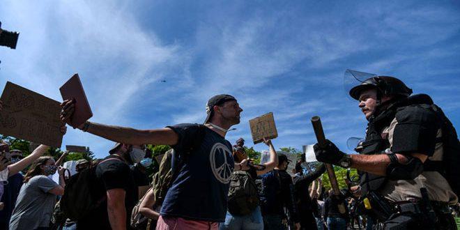 טראמפ איים להפעיל כוח מופרז נגד המפגינים