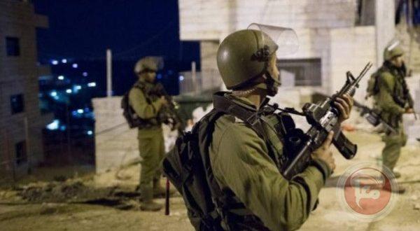 כוחות הכיבוש עוצרים 11 פלסטינים בגדה המערבית