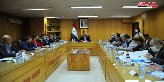 אל-בראזי דן עם משלחת מסחרית רוסית בהאצת סחר החליפין והקמת פרויקטים משותפים