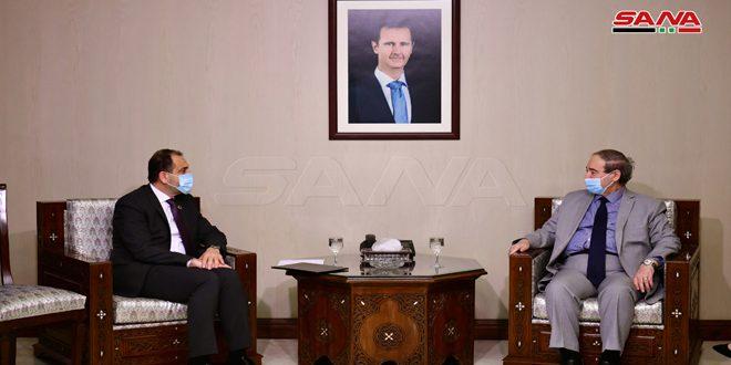 """אל-מוקדאד קיבל את כתבי האמנתו של נציג קרן האו""""ם לאכלוסיה בסוריה"""