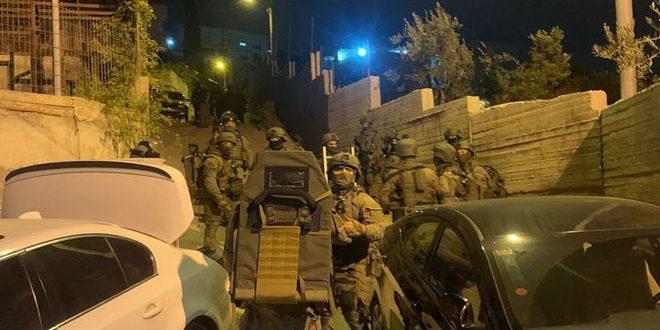 הכוחות הישראליים עצרו שבעה פלסטינים בעיר אלקודס