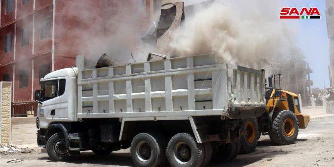 В Дейр-эз-Зоре в окрестностях Дворца правосудия очищают завалы