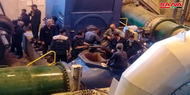 В Хаме местные специалисты восстанавливают вторую турбину на электростанции «Аз-Зара»