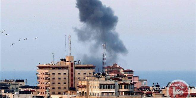 Gazze'de İşgalci İsrail Uçakları Bir Evi Hedef Aldı.. 8 Şehit, Toplam Şehit Sayısı 34