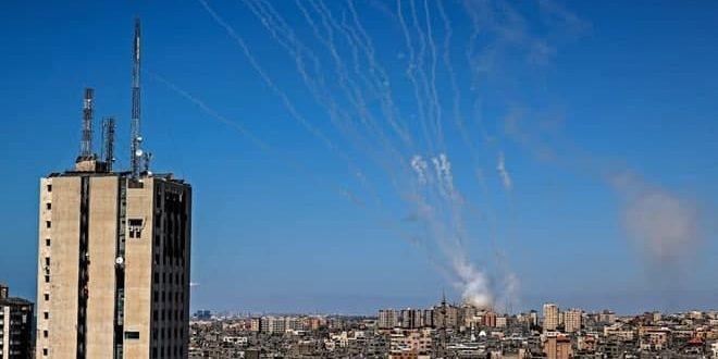 """İşgal Güçlerinin Suçlarına Cevaben """"Tel Aviv"""" Yine Direniş Roketleriyle Bombalandı"""