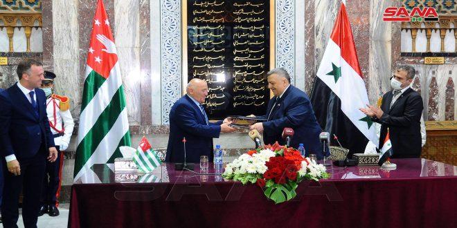 Suriye ve Abhazya, Ortak Parlamento Çalışmalarını Teşvik Etmek ve Geliştirmek İçin Anlaşma İmzaladı
