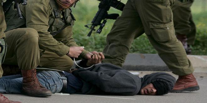 İsrail İşgal Güçleri, El Halil Kentinde 2 Filistinliyi Tutukladı