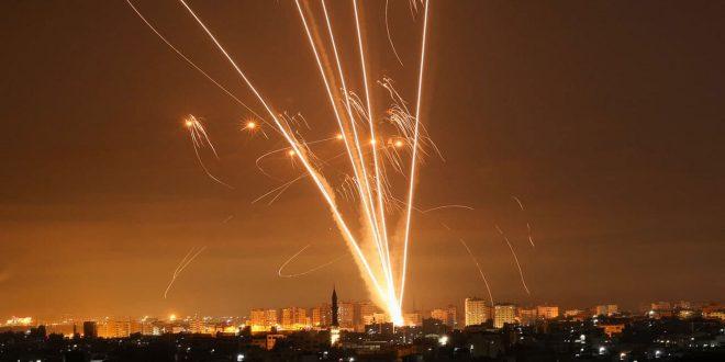 Filistin Direnişi İsrail Saldırganlığına Karşılık Verdi Ve İsrail Yerleşim Birimlerini Füzelerle Vurdu
