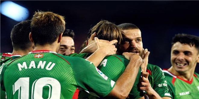ألافيس في صدارة الدوري الإسباني بكرة القدم بعد فوزه على سيلتا فيغو