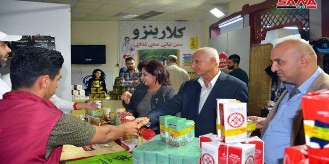 (صنع في سورية) في اللاذقية.. عروض مختلفة وحسومات تصل لـ 50 بالمئة