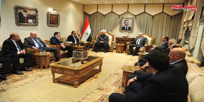 المفتي حسون لوفد أرميني: رسالة سورية للعالم تحمل الحق والسلام ونبذ التطرف