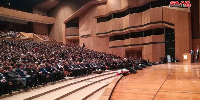 بدء أعمال الاجتماع الموسع لرؤساء المجالس المحلية في المحافظات في قصر المؤتمرات بدمشق
