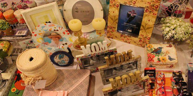 مشروعات صغيرة تعرض منتجاتها في بازار (ألوان سورية)