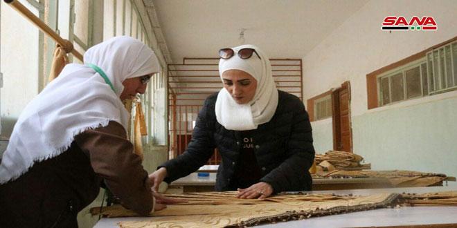 ورشة لتصنيع الستائر في الثانوية النسوية بدير الزور
