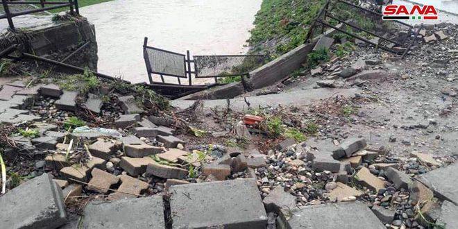 تضرر عدد من المنازل وقطع بعض الطرقات بالحسكة جراء الهطولات الغزيرة