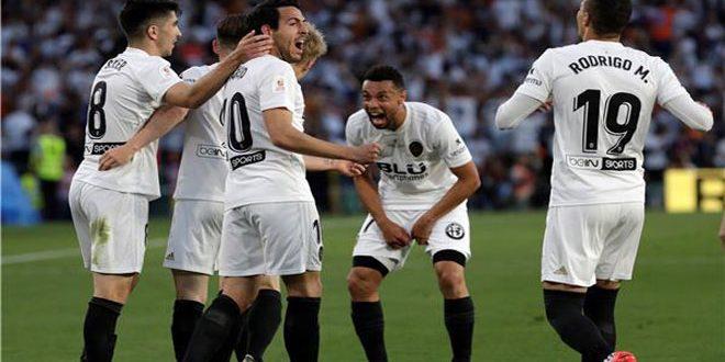 فالنسيا يفوز على برشلونة ويتوج بكأس ملك إسبانيا