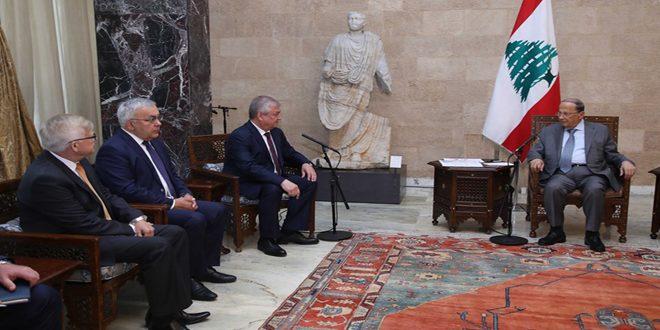 عون يبحث مع لافرينتييف مسألة المهجرين السوريين