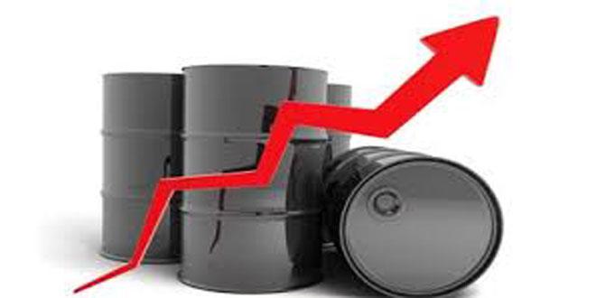 النفط يرتفع 8ر0 بالمئة ويسجل 98ر62 دولارا للبرميل