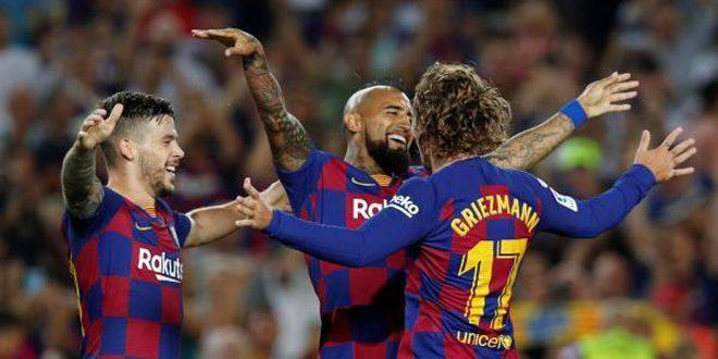 غريزمان يسجل ثنائية في فوز برشلونة على ريال بيتيس 5-2