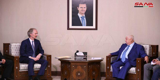 المعلم لـ بيدرسون: سورية ملتزمة بالعملية السياسية بالتوازي مع ممارسة حقها القانوني في مكافحة الإرهاب