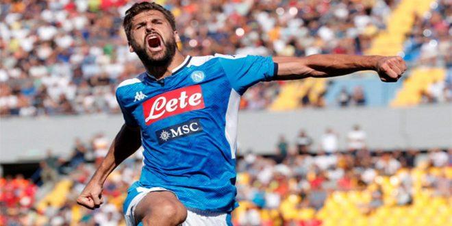 نابولي يفوز برباعية على ليتشي في الدوري الإيطالي لكرة القدم